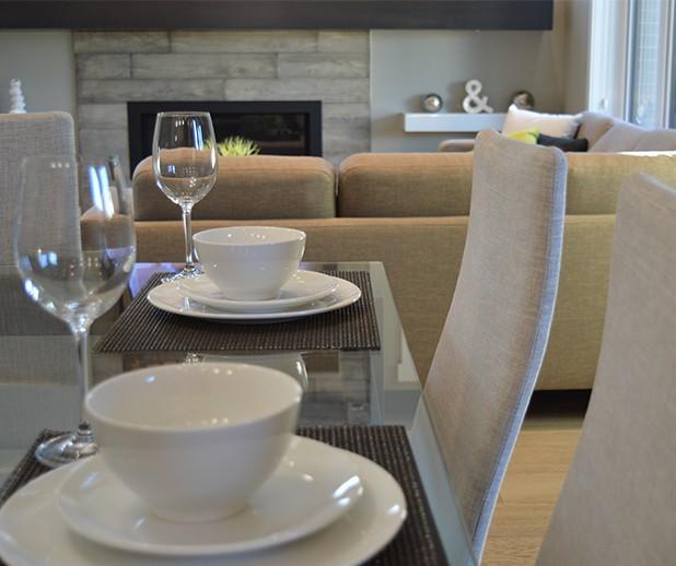 Des meubles ou des tables de salle à manger qui vous ressemblent